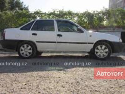 Автомобиль Daewoo Nexia 2001 года за 2000 $ в Ургенче