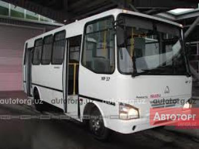 Спецтехника автобус городской Isuzu SAZ NP 37 2013 года за 25 000 $ в городе Джизак