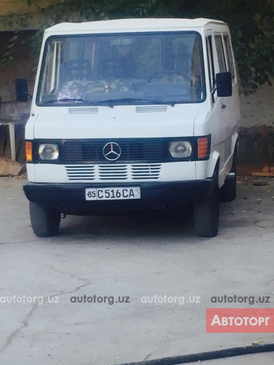 Спецтехника автобус городской Mercedes-Benz 207д 1987 года за 3 000 $ в городе Навои
