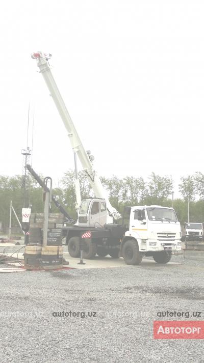 Спецтехника автокран ЧМЗ KC-55732-33 2016 года за 96 000 $ в городе Самарканд