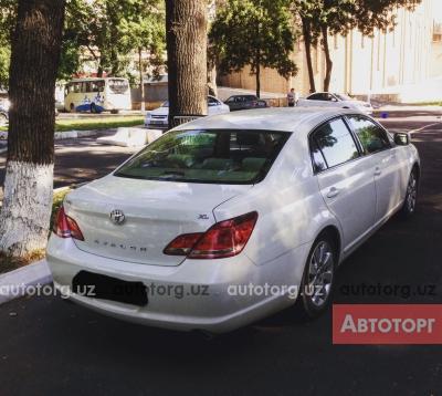 Автомобиль Toyota Avalon 2006 года за 17000 $ в Ташкенте