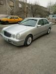 Продажа Mercedes-Benz E 200  2000 года за 12 500 $ на Автоторге